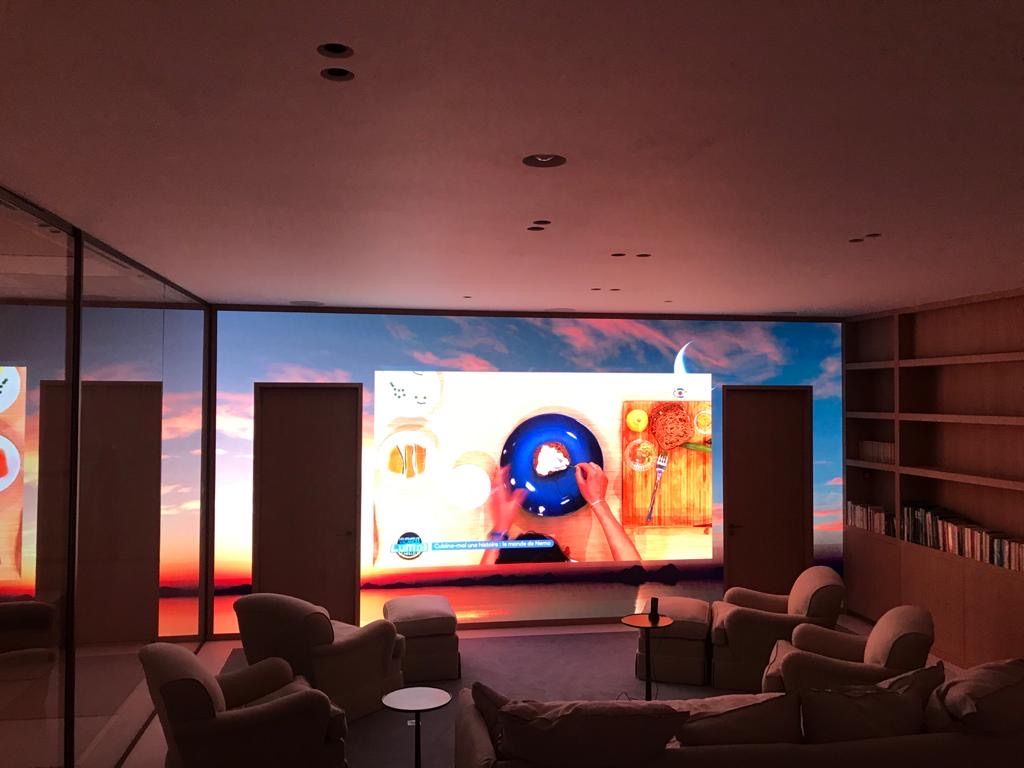 P1.5mm indoor led screen in Paris TV station